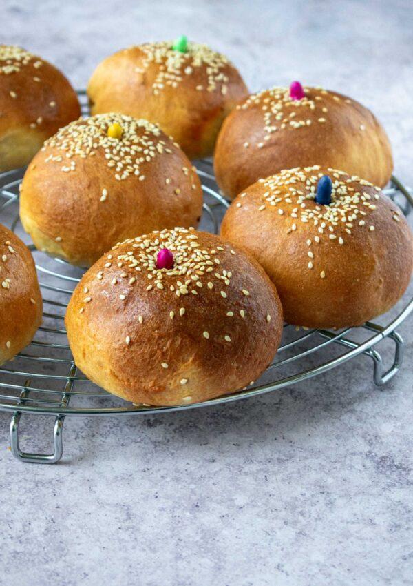 Ħobża ta' San Martin ( Saint Martin's sweet bun)